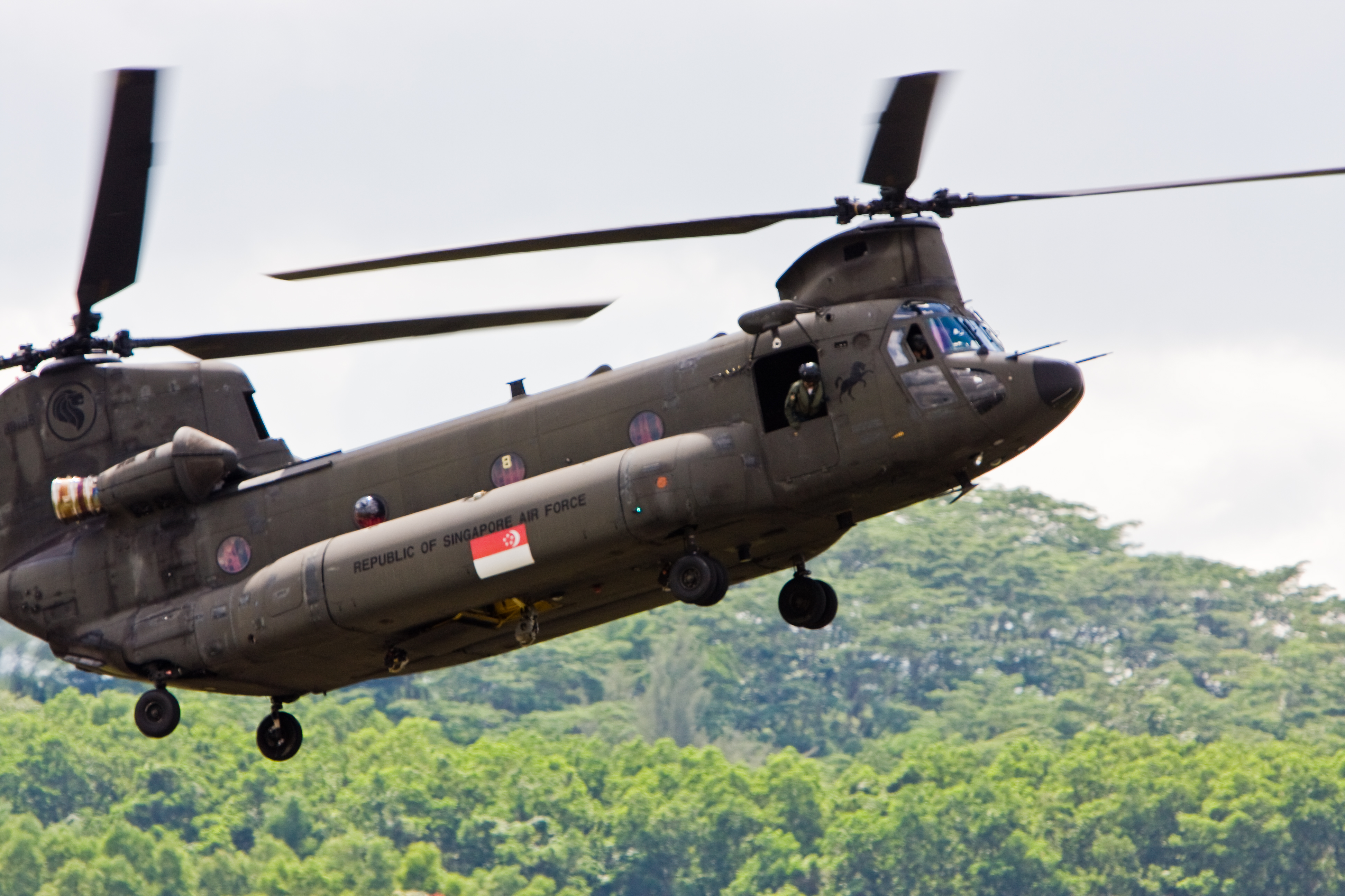 Report: Singapore's Chinook, Apache Helicopters Upgraded
