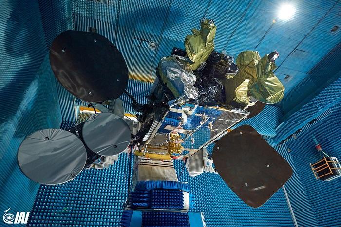 אם תעשייה אווירית רוצה לבנות את עמוס-8 , למה היא לא רוכשת את חלל תקשורת? דעה