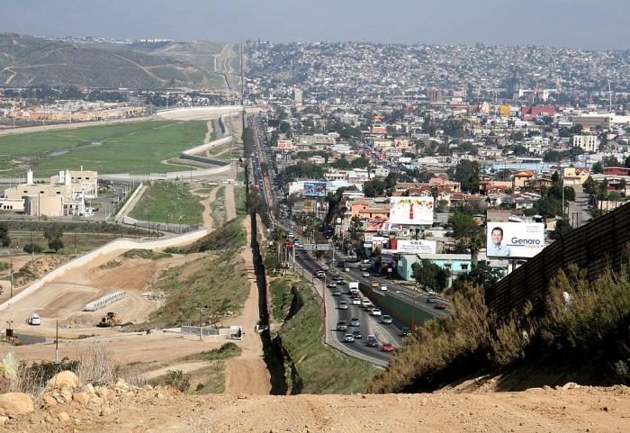 ביידן מבטל את פרויקט החומה בגבול ארה״ב - מקסיקו