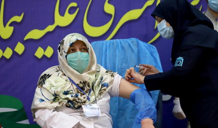 מסין באהבה: מעניקה לאיראן מאות אלפי חיסוני קורונה