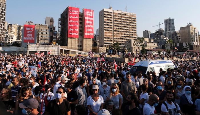 שנה אחרי הפיצוץ שהחריב את נמל ביירות, הלבנונים עדיין ממתינים לתשובות