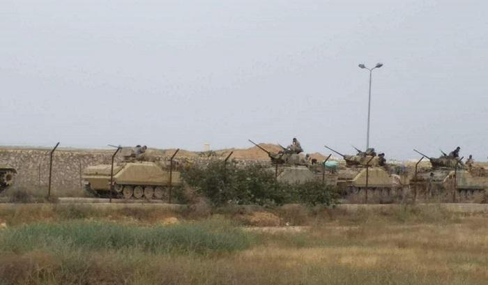 Egypt Moves Armored Vehicles to the Gaza Border