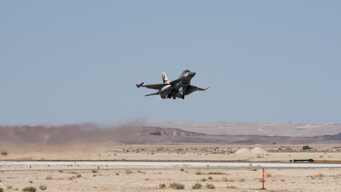 """צה""""ל יירט מל""""ט איראני שחדר מסוריה; מטוס F-16 נפל בשטח ישראל"""