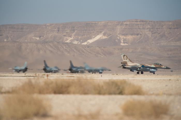 """צה""""ל תקף מטרות חמאס ברצועת עזה; צפו בתיעוד התקיפה"""