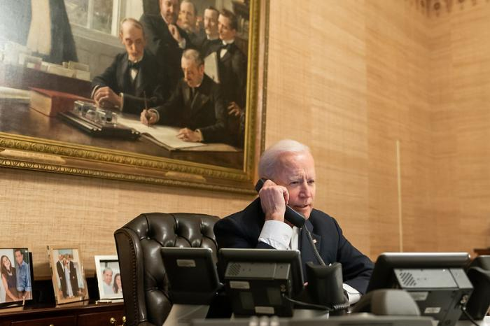 ביידן מאריך את מצב החירום כלפי איראן