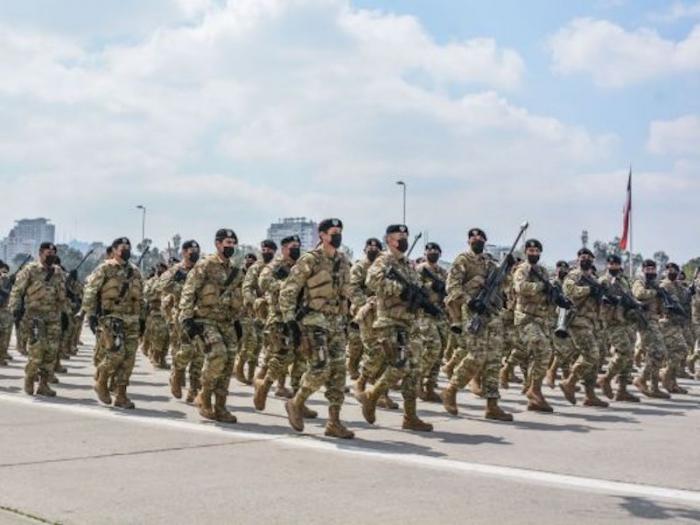 צבא צ׳ילה חושף שימוש ברובה הערד של IWI