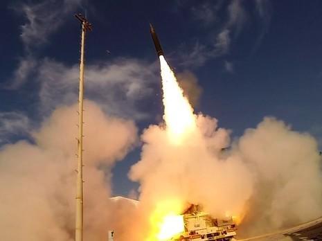 """הושלם בהצלחה ניסוי טיסה של מערכת """"חץ 3"""""""