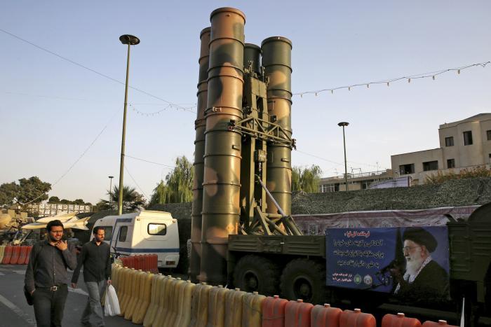 """גנרל רוסי: """"רוסיה עשויה לספק לסוריה 'ולמדינות אחרות' מערכות הגנ""""א S-300 מתקדמות"""""""