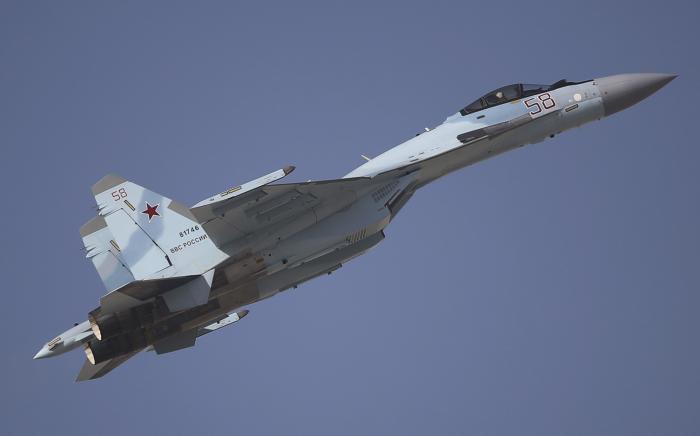 """קטאר רוכשת מרוסיה מטוסי קרב סוחוי SU-35 ומערכות הגנ""""א S-400"""