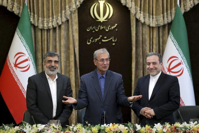 איראן מודיעה על העשרת אורניום מעבר לרמה המותרת בהסכם הגרעין
