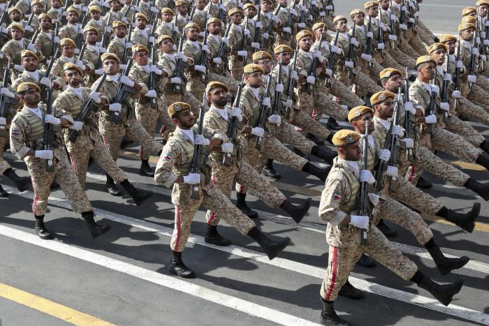 """מצעדים באיראן: """"נציג תוכנית לביטחון האזור"""""""