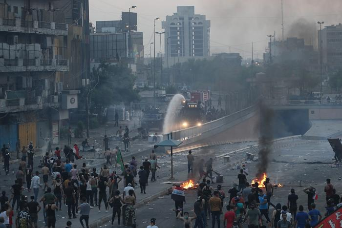 """""""קריאות נגד איראן"""": הפגנות אלימות בעיראק"""
