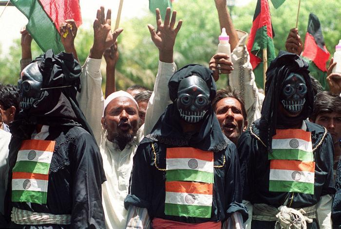 """""""ג'יהאדיסטים גרעיניים"""" בפקיסטן"""