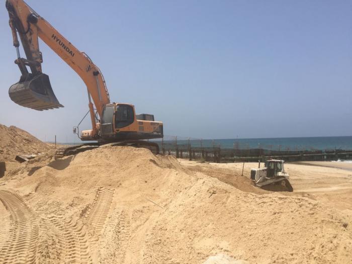 Israel Begins Construction of Marine Barrier on Gaza Border