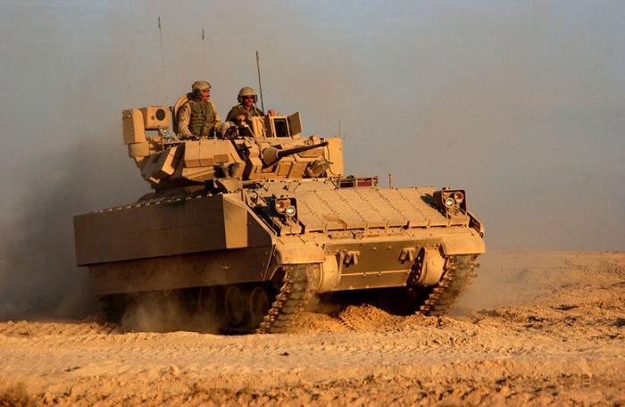 """נגמ""""שי BRADLEY חדישים של צבא לבנון יערכו הופעת בכורה במצעד צבאי בביירות"""
