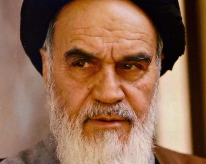 """מנהרת הזמן: המהפכה באיראן וחיסול מזכ""""ל חיזבאללה"""