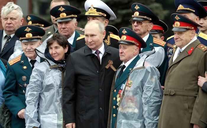 מצעד צבאי במוסקווה לציון הניצחון על הנאצים. פוטין תוקף את המערב