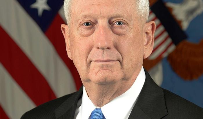"""פרסום בארה""""ב: שר ההגנה לשעבר מתווך בעסקת הנשק עם האמירויות"""