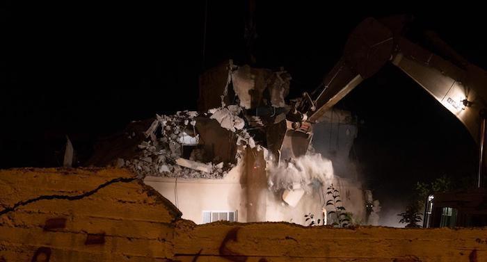 """צה""""ל הרס את ביתו של המחבל קסאם שיבלי בכפר כובר"""