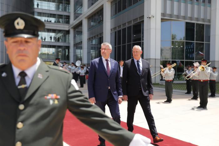 Czech defense minister visits Israel