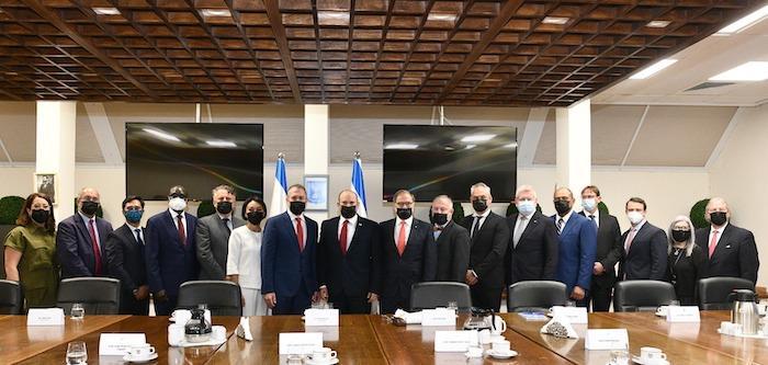 """ראש הממשלה נפגש עם משלחת שגרירים לארה""""ב ושגרירים לאו''ם"""