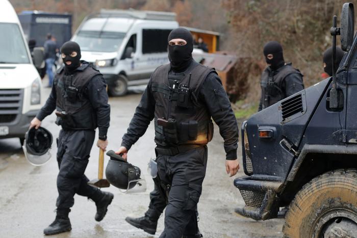 דיווח בבולגריה: שלושה איראנים נעצרו כשהם מחזיקים בדרכונים ישראליים מזויפים